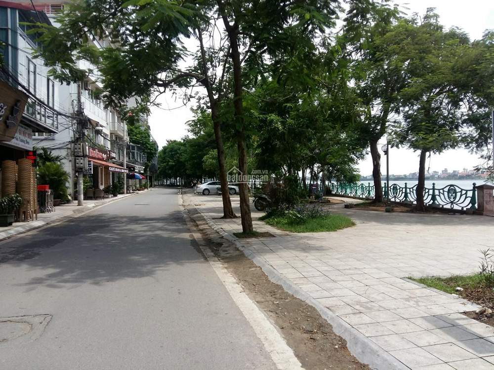 Bán nhà mặt phố Nhật Chiêu, mặt Hồ Tây 120m2, mặt tiền 5.4m: Lô góc, nở hậu rất đẹp